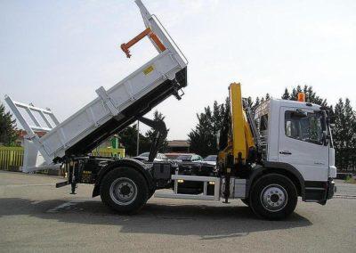Remorques, grues, élévateurs sur camions TP, appareils à bras, remorques, bennes à Saint-Etienne (42 - Loire) - Prestations sur-mesure - Bennes du centre